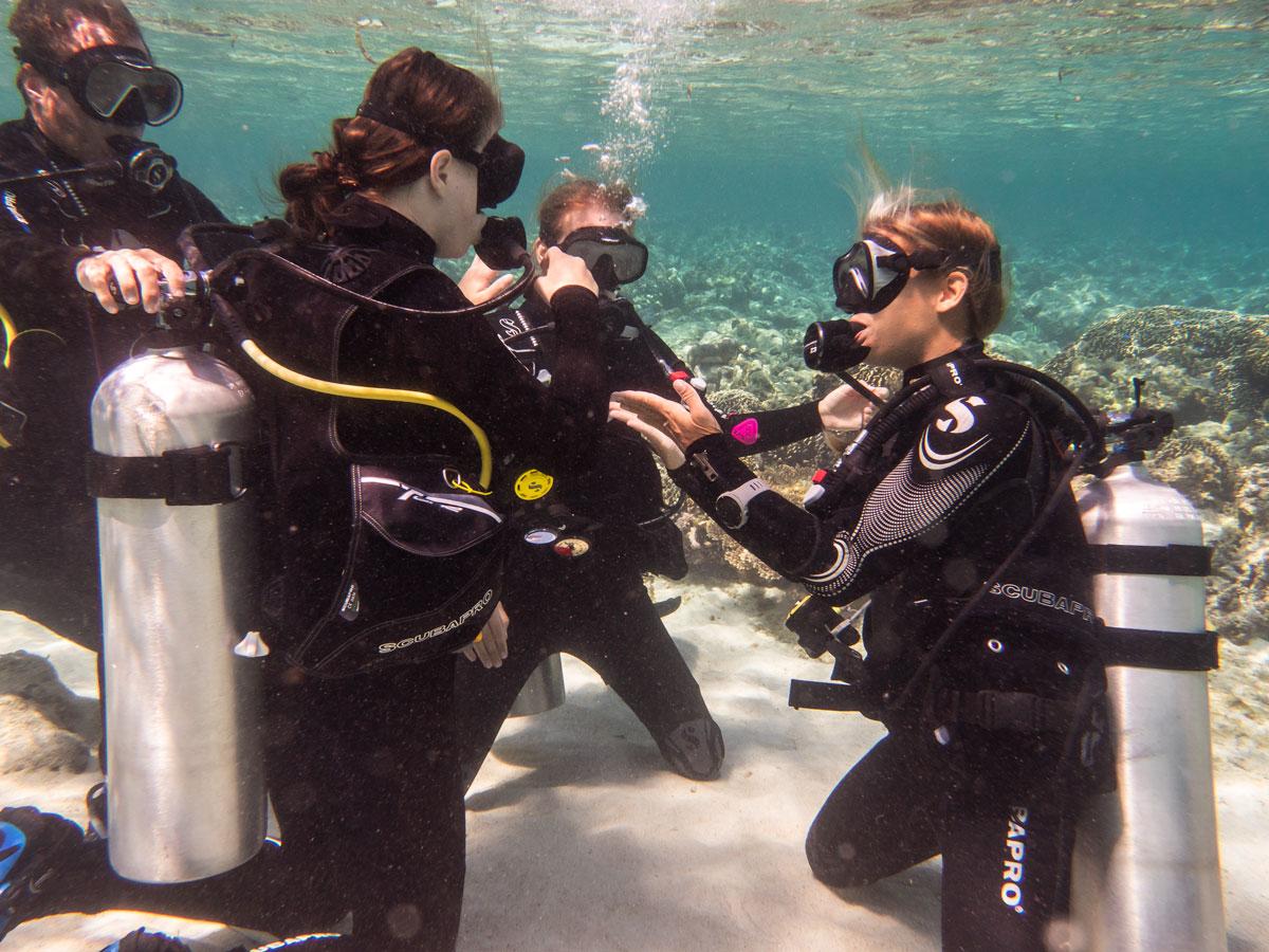 teach scuba diving