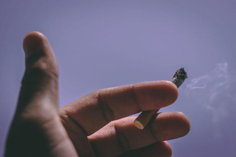 Smoking before scuba diving